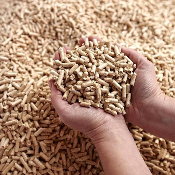 Pellets de bois Certifiés DIN Plus, 2 palettes de 70 sacs de 15 kg