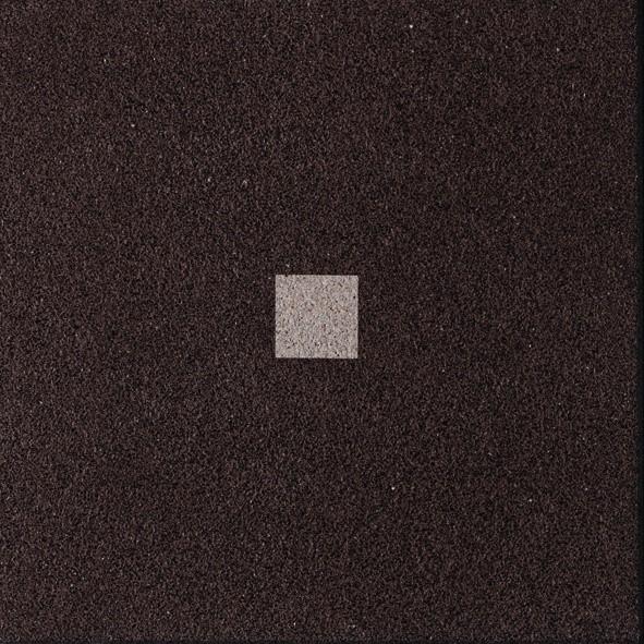 Dalle Marlux Fiorentina 40 x 40 x 3,6 cm couleur Brun uni avec 1 cabochon, le M2