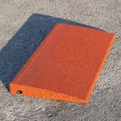 Bordure caoutchouc chanfreinée Hexdalle XE 50x25cm, ép 1 à 5cm couleur brique