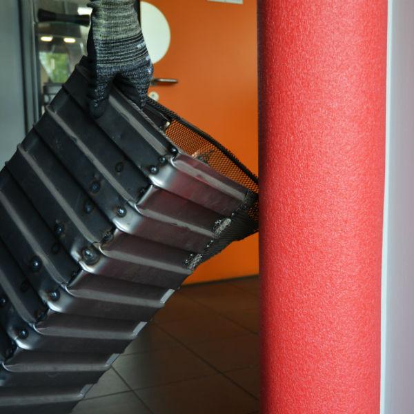 Mousse de Protection Rouge pour Bâti de Porte 2 m